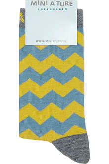 MINI A TURE Zig zag striped socks 2-8 years