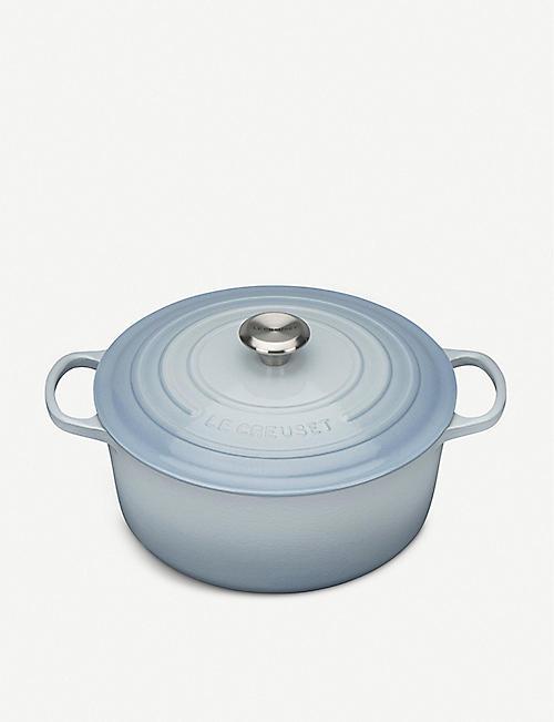 LE CREUSET Signature cast iron casserole dish 28cm