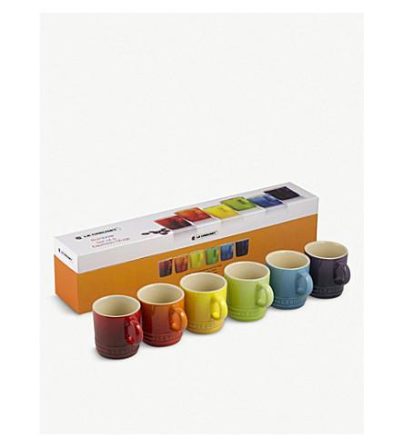 LE CREUSET 设置的六个彩虹咖啡杯子