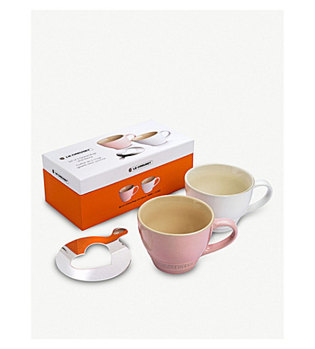 LE CREUSET Set of two grand mugs with heart stencil