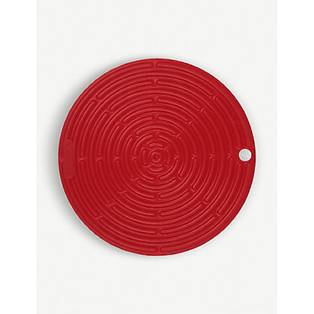 LE CREUSET Silicone round cool tool (Red