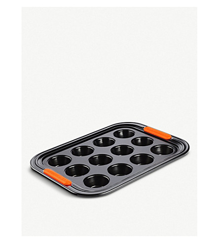 LE CREUSET Mini Muffin 12-cup baking tray