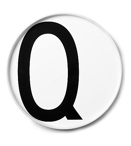 DESIGN LETTERS Q porcelain plate