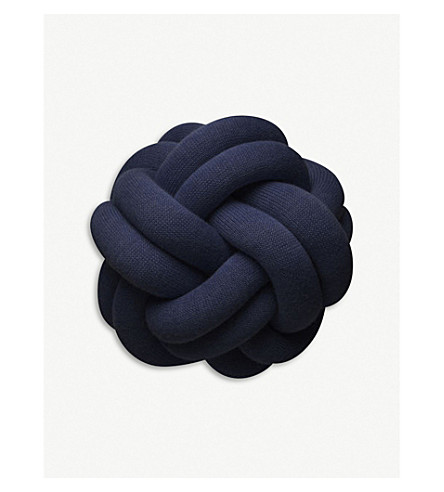 DESIGN HOUSE STOCKHOLM Knot knitted cushion 15x30cm