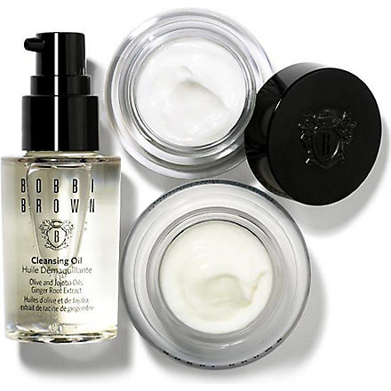 BOBBI BROWN Bobbi's Skincare Essentials