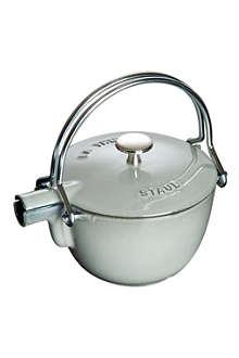 STAUB Round cast iron teapot