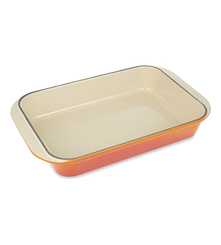 LE CREUSET Cast iron rectangular dish 30cm (Volcanic