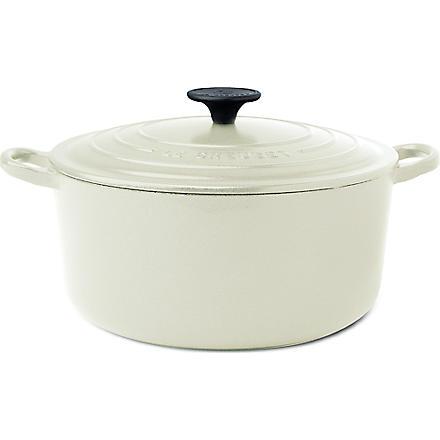 LE CREUSET Cast iron casserole dish 24cm (ALMOND