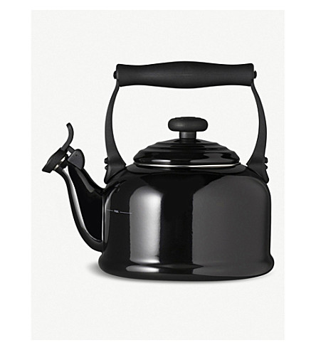 LE CREUSET Kettle (Black