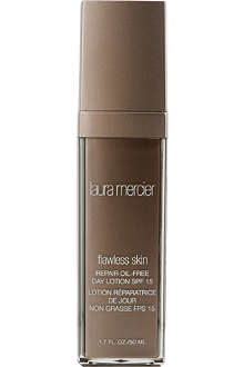 LAURA MERCIER Oil-free day lotion