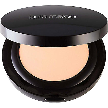LAURA MERCIER Smooth Finish foundation powder (01