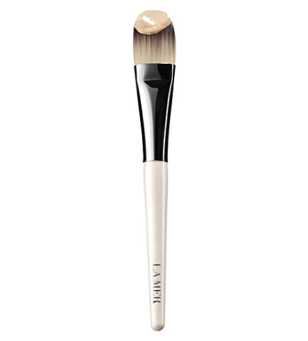 LA MER Foundation brush