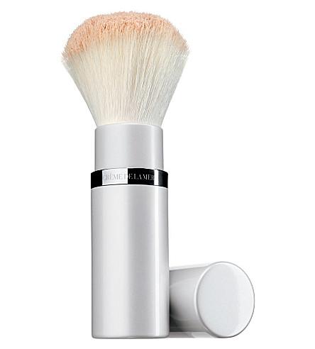 CREME DE LA MER Powder brush