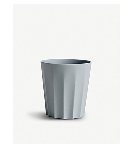 HAY Iris sharpoff porcelain mug
