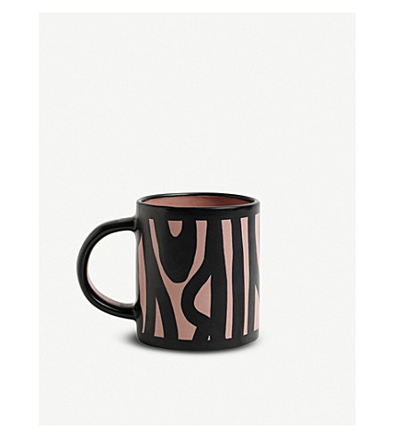 HAY Wood patterned earthenware mug