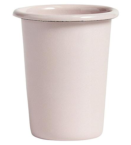 干草搪瓷杯软的粉红色