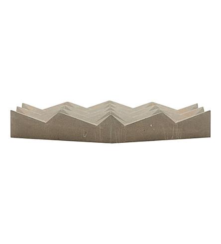 HAVELOCK STUDIO Origami concrete trivet