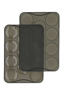 MASTRAD Macaron large ridge baking sheets pack of two