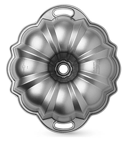 NORDICWARE Classic Bundt® pan