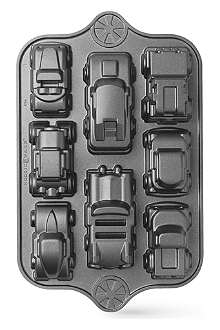 NORDICWARE Sweet rides classic car pan