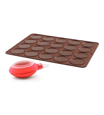 LEKUE Whoopie baking mat and decomax pen kit