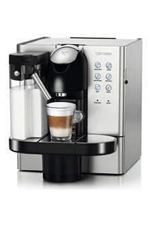 NESPRESSO Delonghi Lattissima Premium EN720M coffee machine