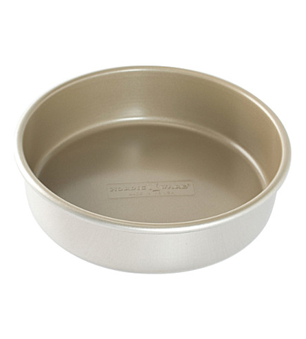 NORDICWARE Round layer aluminium cake tin