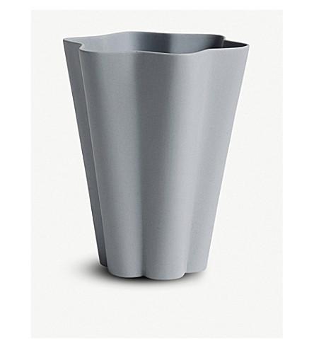 HAY Iris porcelain vase 13cm