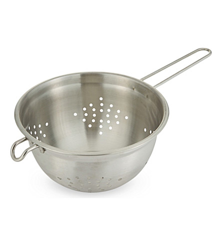 CHEF'N Long handled metal colander 20cm