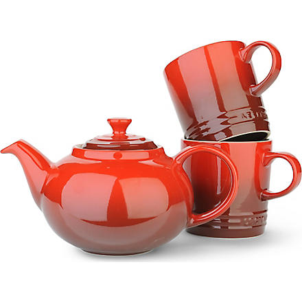 LE CREUSET Tea For Two three-piece stoneware set (Cerise