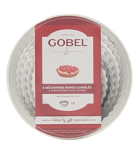 GOBEL Round fluted pastry cutters set of eight