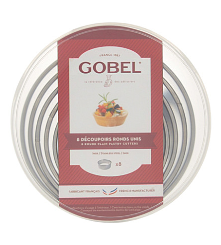 GOBEL Round plain pastry cutters set of eight