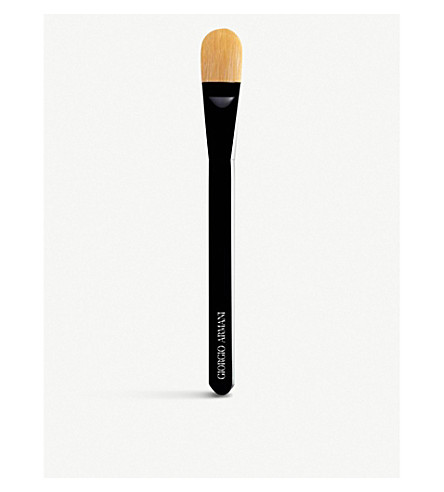 GIORGIO ARMANI Designer foundation brush