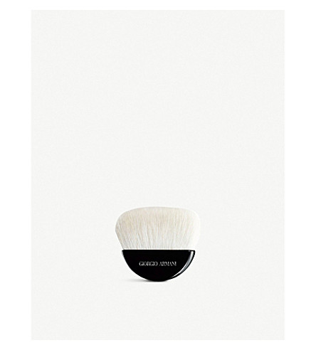 GIORGIO ARMANI Armani sculpting powder brush