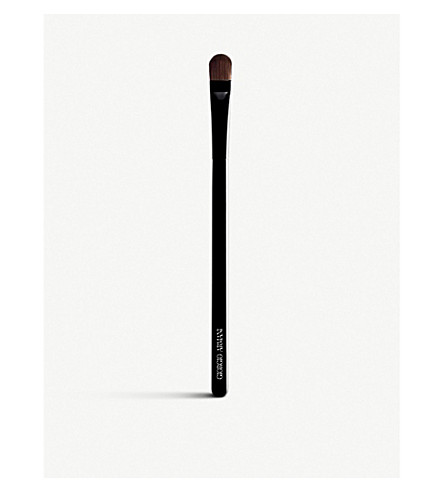 GIORGIO ARMANI Contouring Eye Brush