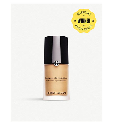 GIORGIO ARMANI Luminous Silk foundation (3.5