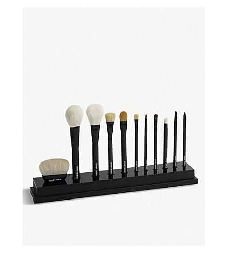 GIORGIO ARMANI Maestro brush collection