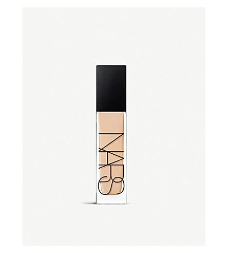 NARS Natural Radiant Longwear Foundation (Mont blanc
