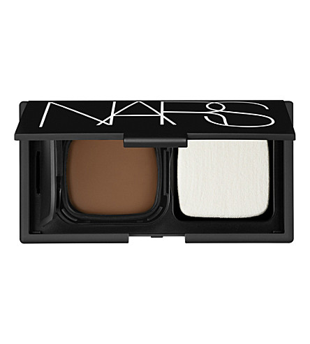 NARS Radiant cream compact foundation (New guinea
