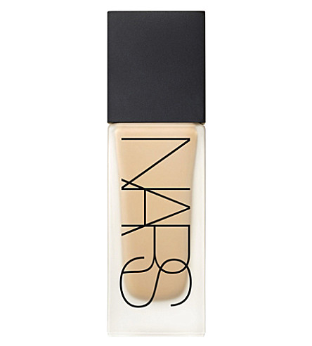 NARS All Day Luminous weightless foundation (Barcelona