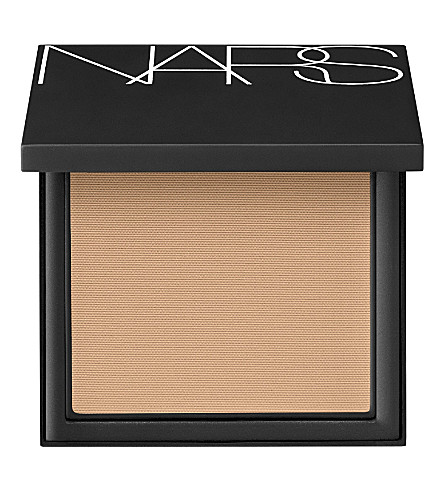 NARS All Day Luminous Powder Foundation SPF24 (Barcelona
