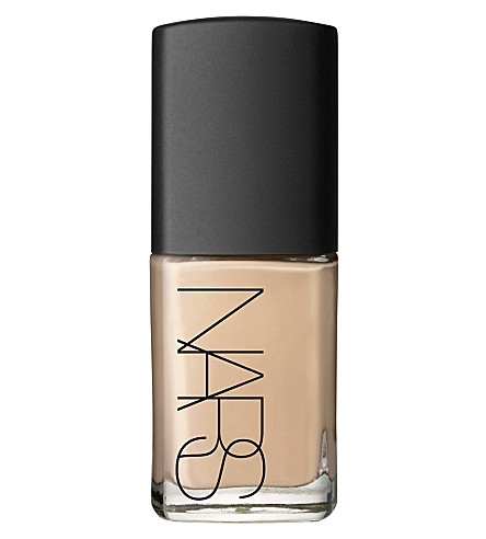 NARS Sheer Glow foundation (Ceylan