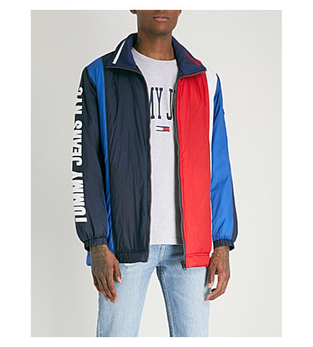 TOMMY JEANS Oversized logo-print shell jacket (Black+iris+/+multi