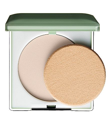 CLINIQUE Stay–Matte Sheer Pressed Powder (Invisible+matte