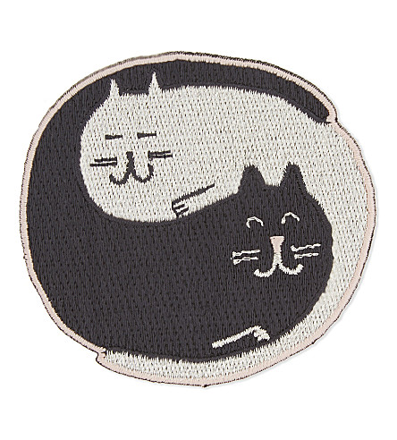 URBAN GRAPHIC Ying Yang cats iron-on patch