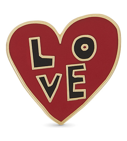 URBAN GRAPHIC Love Heart enamel pin