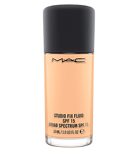 MAC Studio Fix Fluid SPF 15 foundation (C4