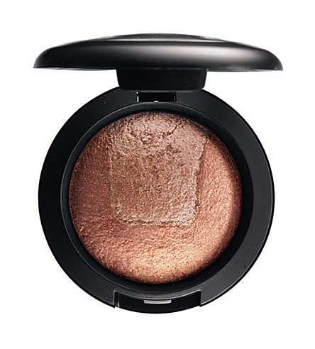 MAC Divine Night Mineralize Eye Shadow (Captivating