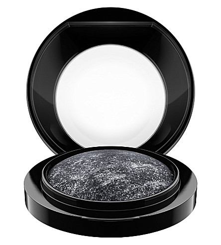 MAC Mineralize Eye Shadow (Cinderfella