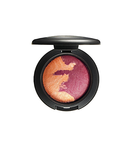 MAC Mineralize Skinfinish (Adored